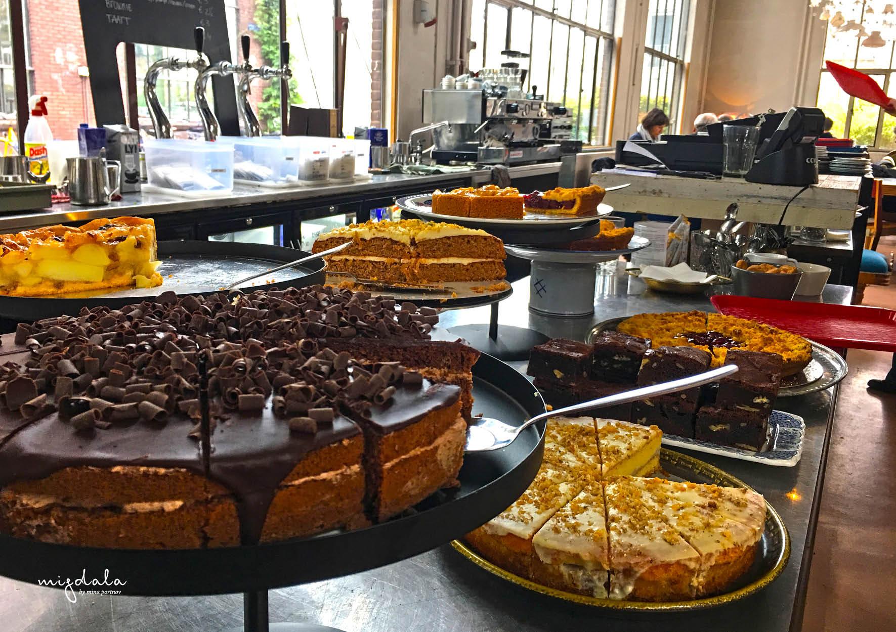 https://www.instagram.com/restaurantpietheineek/ מסעדה משובחת - עוגות שאין דברים כאלו!